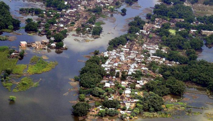 बिहार में बाढ़ से और 32 मौतें, अब तक 514 की मौत, यूपी-असम में हालात सुधरे