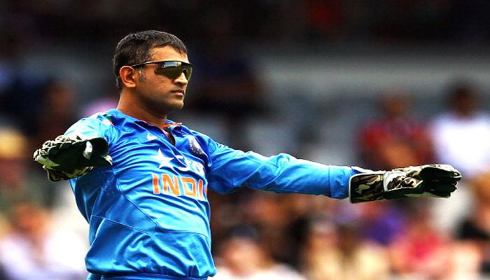 धोनी पर फैन ने पूछा सवाल, पाकिस्तानी क्रिकेटर ने दिया दिल जीतने वाला जवाब