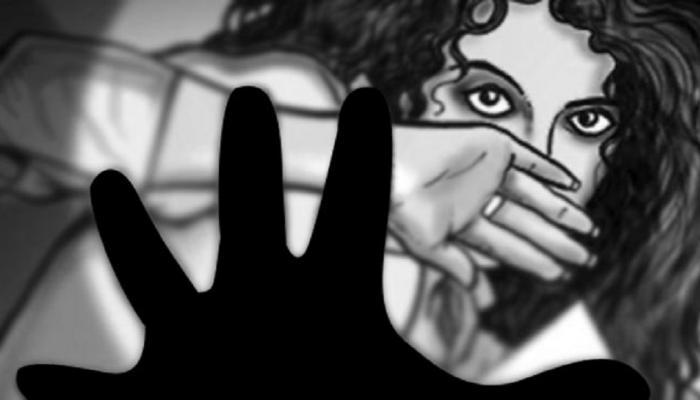 गैंगरेप के बाद गुप्तांग पर मारी नुकीली चीज, मदद की जगह पुलिस से मिली धमकी
