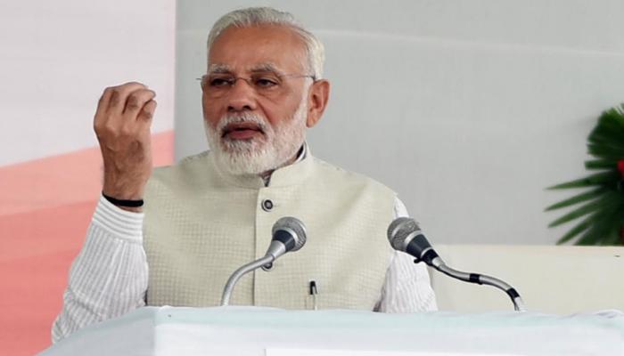 ताजमहल पर विवाद खड़ा करने वालों को पीएम नरेंद्र मोदी ने इशारों में दी ये सलाह