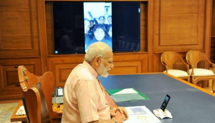 'INSV तारिणी' से दुनिया नापने निकली बेटियों को PM नरेंद्र मोदी ने किया वीडियो कॉल, दी Diwali की बधाई