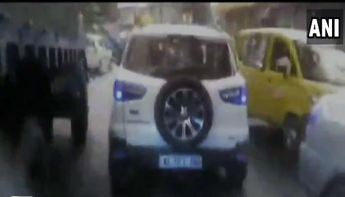 केरल: कार ने 15 मिनट तक रोके रखा एंबुलेंस का रास्ता, नवजात की हालत हुई खराब