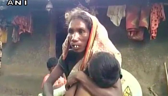 झारखंड : भूख से मरी बच्ची की मां को गांव से बाहर निकाला