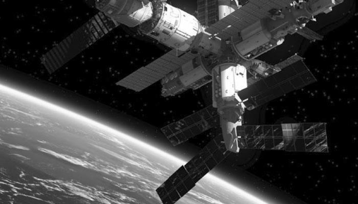 दो अमेरिकी अंतरिक्षयात्रियों ने 7 घंटे का स्पेसवॉक किया
