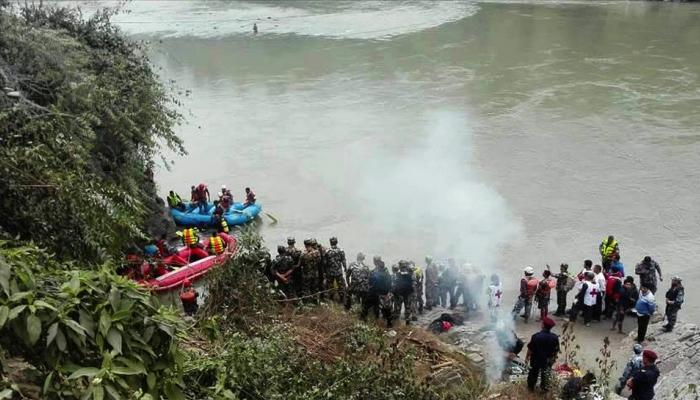 नेपाल  : नदी में गिरी बस, 31 लोगों की मौत