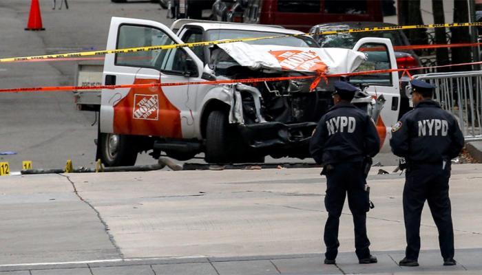 न्यूयॉर्क में आतंकी हमले में आठ की मौत, 'अल्लाह हो अकबर' चिल्लाते हुए ट्रक को साइकल ट्रैक पर चढ़ाया