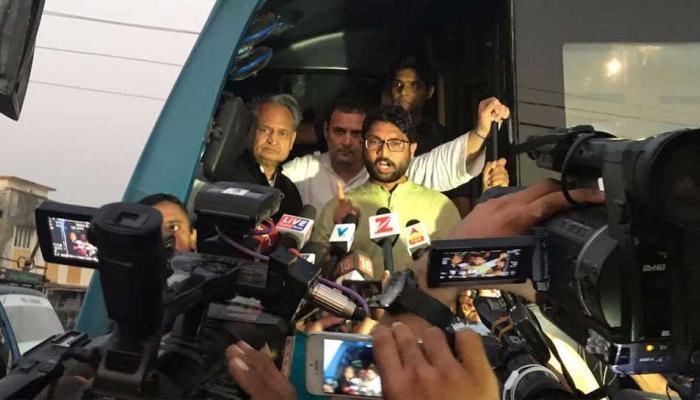 गुजरात चुनाव: राहुल से मीटिंग के बाद बोले जिग्नेश, कांग्रेस से 90% मांगों पर बनी सहमति