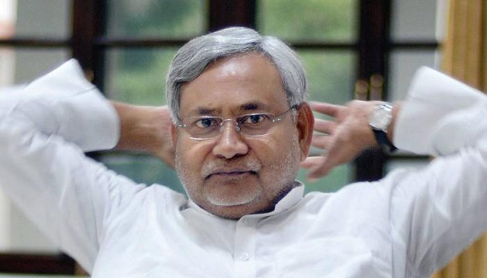 गुजरात चुनाव के बीच नीतीश कुमार ने कहा, 'मैं जाट और मराठा आरक्षण का समर्थक'