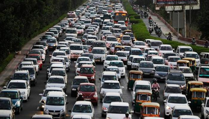 एनजीटी का दिल्ली सरकार को फरमान, 10 साल पुरानी डीजल टैक्सियों को जब्त करें