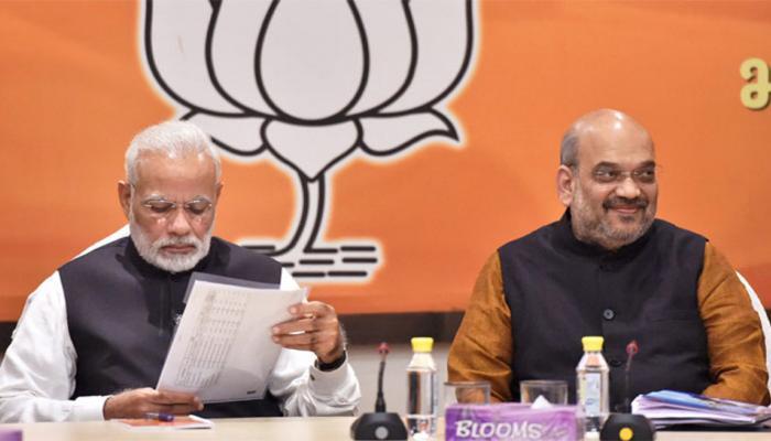 गुजरात चुनाव: बीजेपी के शीर्ष नेतृत्व ने बैठक की, टिकटों का ऐलान नहीं होने से बढ़ी बेचैनी