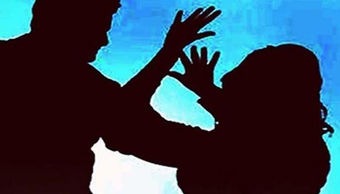 नाबालिग लड़की का आरोप, ब्वॉयफ्रेंड ने शराब पिलाकर दोस्तों के साथ किया गैंगरेप