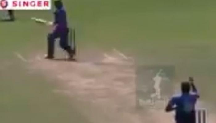 VIDEO : श्रीलंकाई बल्लेबाज ने खेला ऐसा विचित्र शॉट, हंसते-हंसते दुखने लगेगा पेट