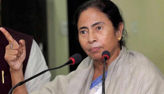 Aadhaar पर फिर बरसीं ममता बनर्जी, कहा- लोगों के निजी अधिकारों में दखल दे रही है भाजपा