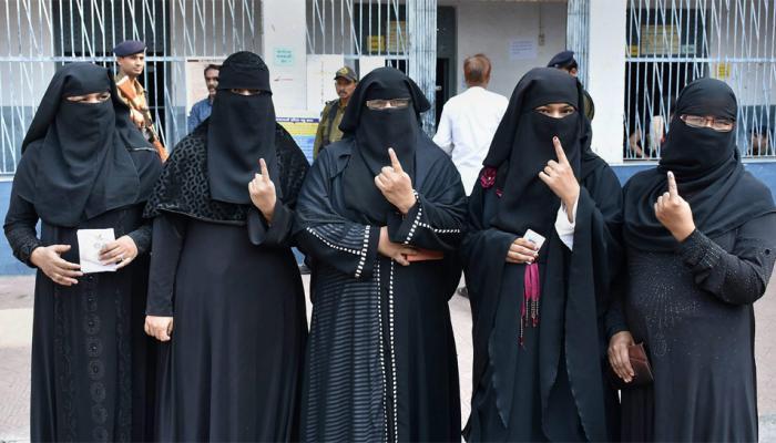 गुजरात चुनाव: EVM से परेशान मुस्लिम मतदाता; किसी ने बताया 'दानव' तो किसी ने कहा 'भरोसा' नहीं