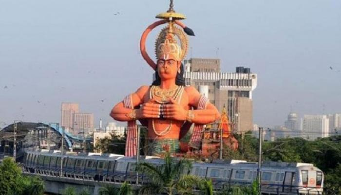 हनुमान मंदिर विवाद : कोर्ट ने पूछा, 'अवैध रूप से बनाए गए मंदिर से प्रार्थना क्या ईश्वर तक पहुंचेगी?'