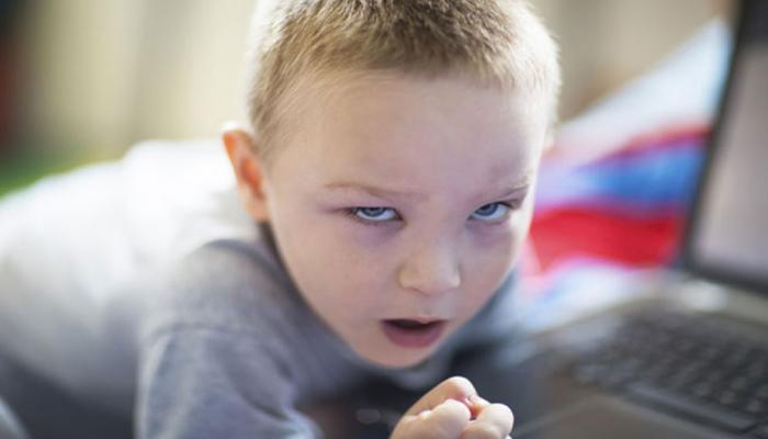 कंंप्यूटर-मोबाइल से रहें दूर, बाहरी खेलों से बच्चों की आंखों की रोशनी होगी अच्छी