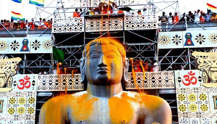 devotees flock millenniums second mahamastakabishekha of Lord Gommateshwara Bahubali
