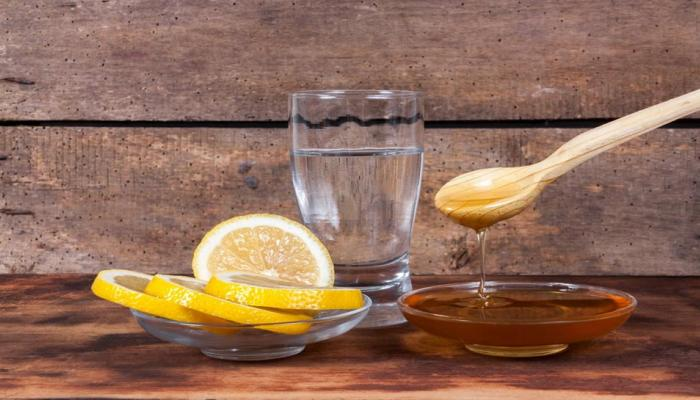 5 Unknown benefits of Lemon water