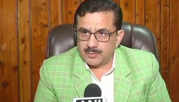 Video: वसीम रिज़वी ने किए आंखों से 'इशारे', कहा - इससे इस्लाम पर आंच नहीं आती