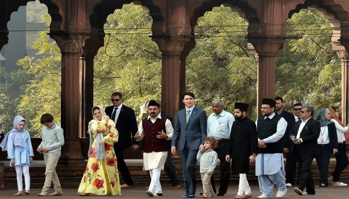 Justin trudeau family visit delhi's Jama masjid