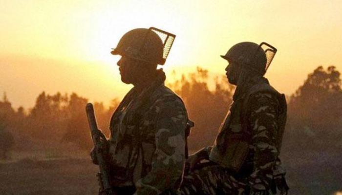 Top news of hindi and english newspaper Pakistan creates war like situation on LoC in Jammu and Kashmir