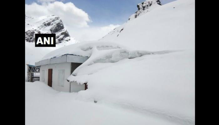 6 feet high ice in Hemkund Sahib see pictures
