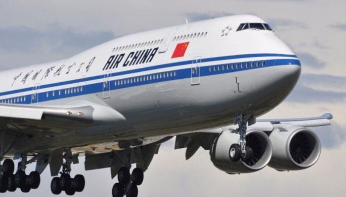 Image result for ताजी हवा के लिए चीनी पैसेंजर ने खोला विमान का डोर