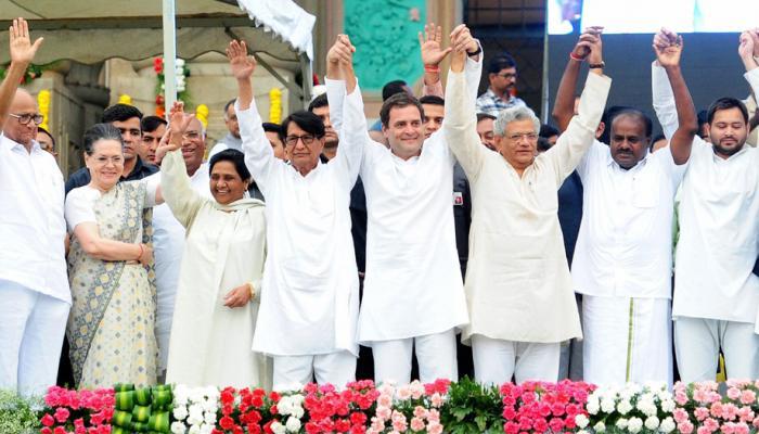 बीजेपी ने किया कुमारस्वामी के शपथ ग्रहण का बहिष्कार, कांग्रेसी नेताओं को दिया 'न्यौता'