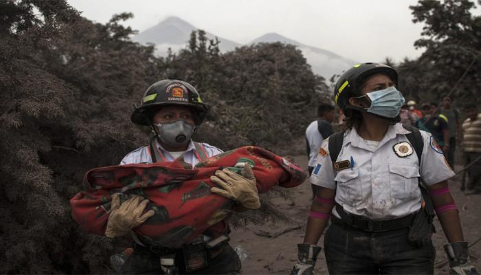 Image result for ज्वालामुखी विस्फोट में बढ़ा मौत का आंकड़ा