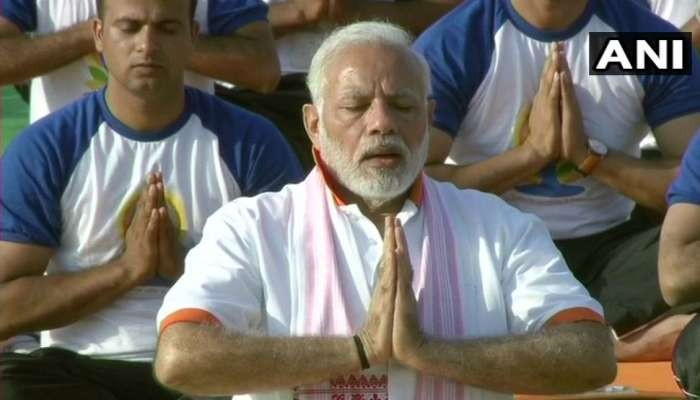 International Yoga Day 2018 : PM Modi and central ministers do yoga