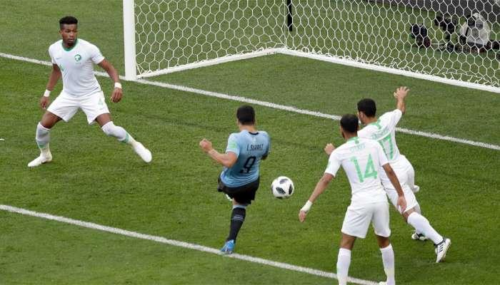 फीफा विश्व कप: 100वें मैच में सुआरेज का गोल, लगातार दूसरी जीत से उरुग्वे नॉकआउट राउंड में