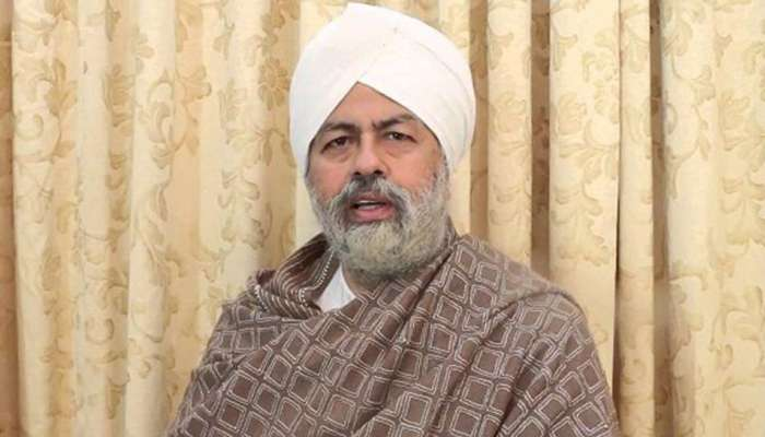 Baba Hardev's daughter filed case of cheating more than 2000 crores against husband