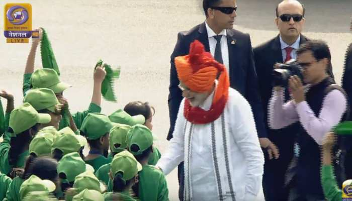 PM Modi break protocol and at red fort to meet children, see Photos