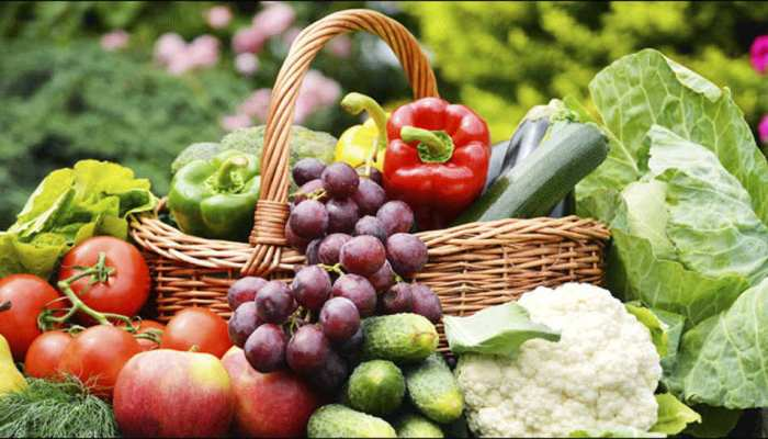Fruits and Vegetables which you should consume in Rainy season