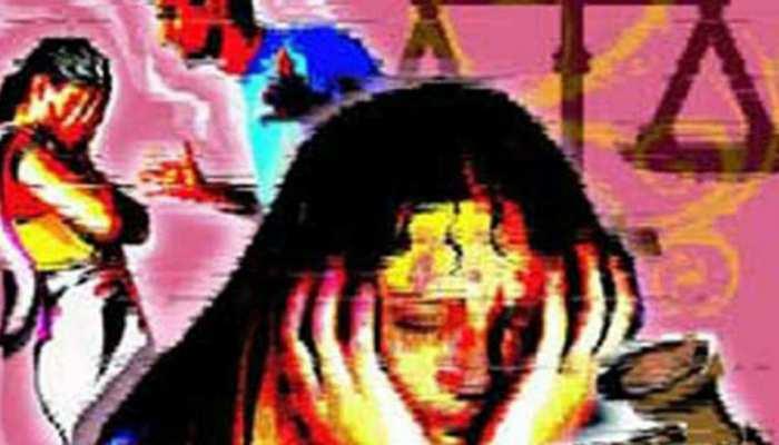 Image result for दहेज ना देने पर महिला पर मिट्टी का तेल डालकर किया जलाने का प्रयास