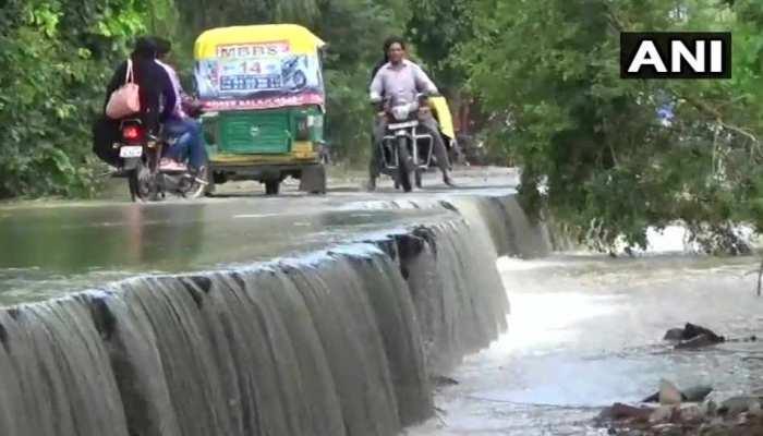 उत्तर प्रदेश में बारिश का कहर, 12 लोगों की मौत, 14 घायल