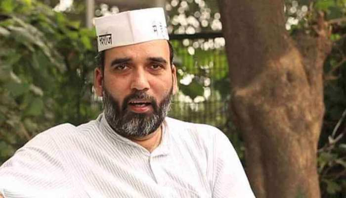 छत्तीसगढ़: AAP ने लगाए ओपी चौधरी पर आरोप, कहा- भ्रष्टाचार छिपाने के लिए बीजेपी में हुए शामिल