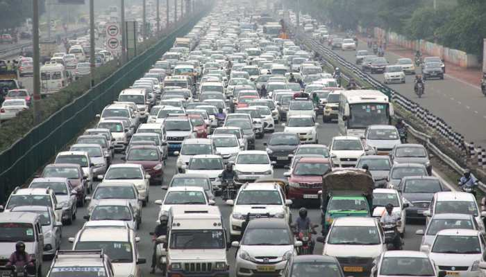 Delhiites prefer to travel in their own car while Mumbaikars are number 1 in use of public transport
