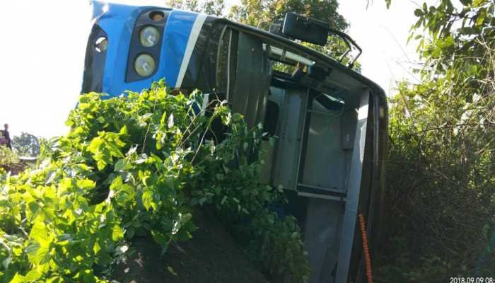Uncontrolled Bus falls into a ditch, More than 12 passengers are injured