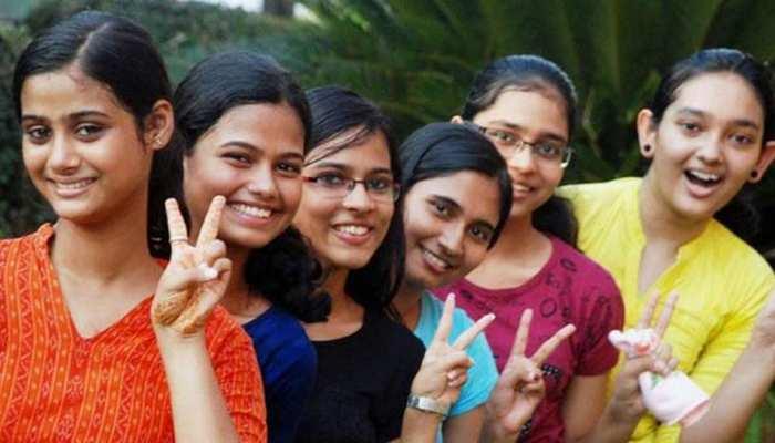 मप्र: MBBS की परीक्षा से हटी अंग्रेजी की अनिवार्यता, हिंदी में परीक्षा देकर भी बन सकते हैं डॉक्टर