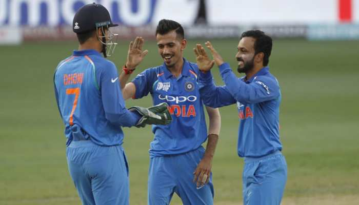 पाकिस्तानी कोच ने की भारतीय गेंदबाजों की तारीफ, अपने बल्लेबाजों को लगाई फटकार