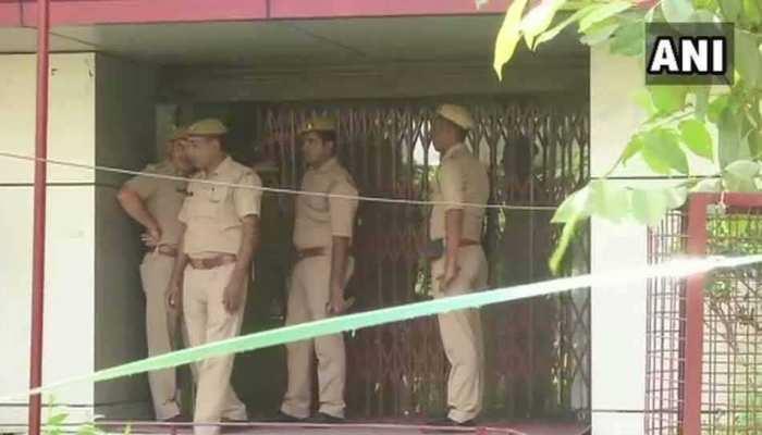 नोएडा: PNB बैंक लूटने आए थे बदमाश, नाकाम हुए तो दो गार्ड्स की कर दी हत्या