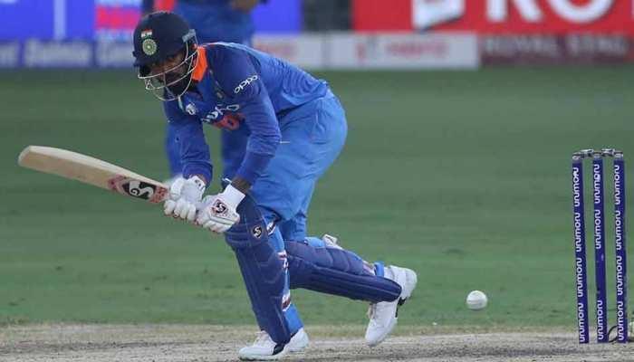 फिफ्टी बनाकर भी ट्रोल हुए राहुल, 'अल्ट्रा लीजेंड' अपने बल्लेबाजों को आउट कराने के लिए DRS लेते हैं