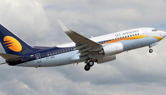 India Today: Emergency landing of Hyderabad Chandigarh bound jet airways flight in Indore