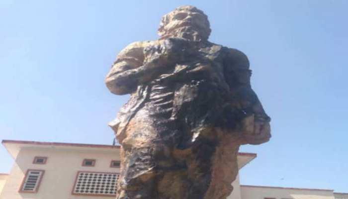 जयपुर: दो महिलाओं ने मनु की मूर्ति पर लगाई कालिख, हाईकोर्ट की सुरक्षा को दी चुनौती