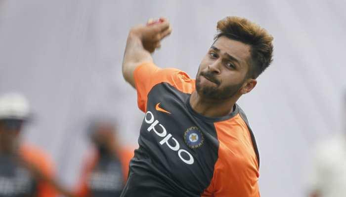 डेब्यू टेस्ट में केवल 10 गेंद ही फेंक सके शार्दुल ठाकुर, चोटिल होकर मैच से हुए बाहर