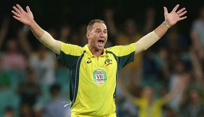 ऑस्ट्रेलिया का तेज गेंदबाज कर रहा है खून की उल्टियां, खतरे में पड़ा करियर