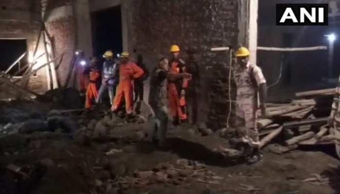 शाहजहांपुर : निर्माणाधीन इमारत का लेंटर गिरने से 3 मजदूरों की मौत, 12 घंटे चला बचाव अभियान