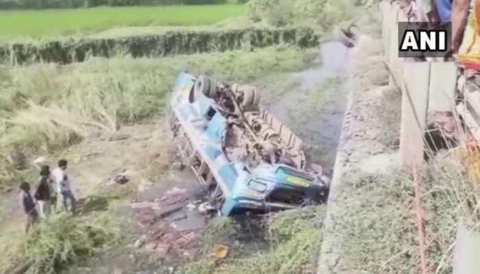 पश्चिम बंगाल : हुगली में बस नहर में गिरने से 6 लोगों की मौत, 20 घायल