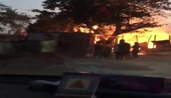 मध्य प्रदेशः छिंदवाड़ा के दुर्गा पंडाल में लगी भीषण आग, बड़ा हादसा टला
